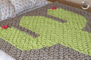 Top Crocheted C2C Cactus Bulky Blanket